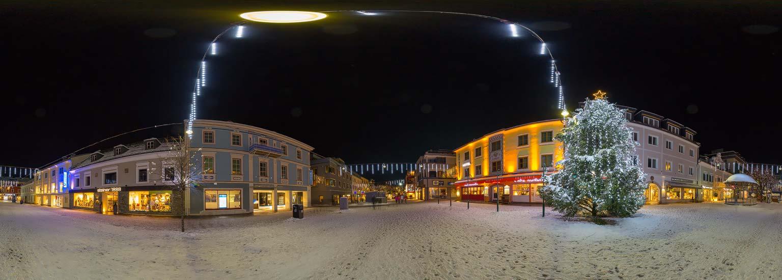 Adventsstimmung auf dem Hauptplatz in Schladming